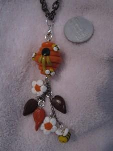 pandantiv-de-toamna-handmade-fimo-stup-albinute-flori-primavara