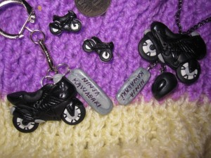 accesorii-cercei-pandantiv-breloc-handmade-cadou-motociclete-ninja-kawasaki-1